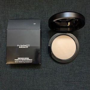 NEW MAC Light Mineralize Skinfinish